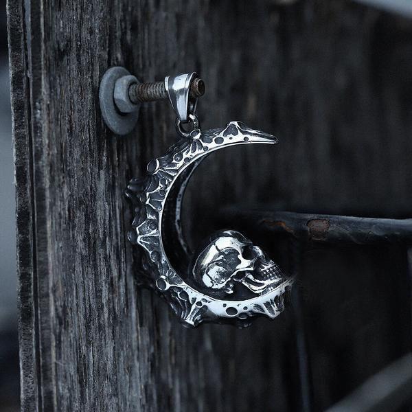 STEELKA STEEL MOON Skull NECKLACE