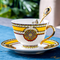 Nordic Royal Classic Bone China Luxury Coffee Cup Teacups Red Cup Tasse Vintage Coffee Cup Creative Retro Cup and Saucer D6D