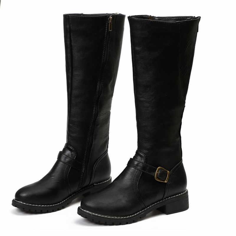 Длинная трубка Для женщин сапоги осень-зима модные плоский из искусственной кожи обувь с ремнем и пряжкой, на молнии, свободная посадка, Botas Mujer, большие размеры 35–43