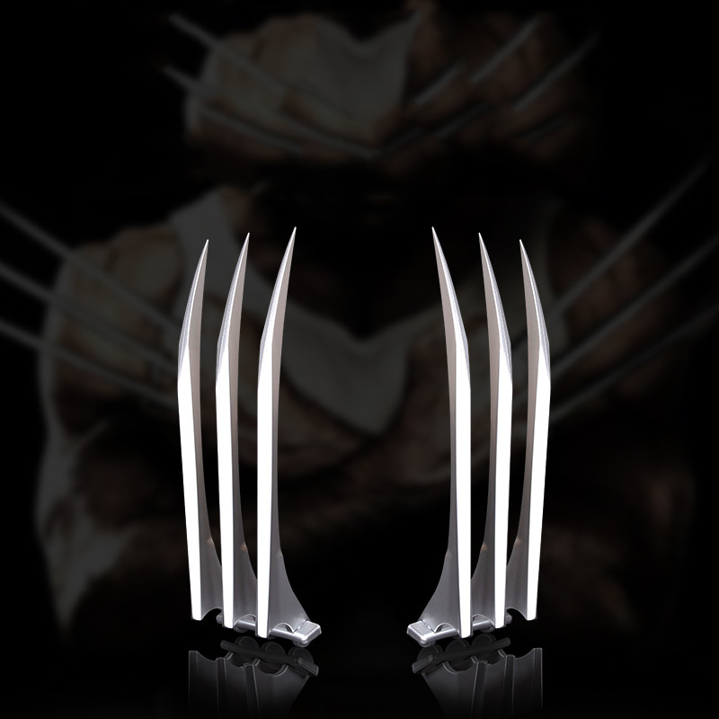 2Pcs/Set Wolf Paw High Quality Cosplay Props Halloween Superhero Claws Cosplay Toys Weapons Boy Gift Simulation Sword Toy