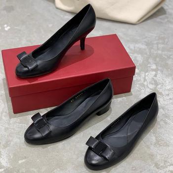 Nowe damskie buty ze skóry naturalnej dla kobiety marka wzór kokardy wysokie obcasy buty okrągłe Toe niskie obcasy buty sukienka najwyższej jakości tanie i dobre opinie chueyz podstawowe Szpilki GENUINE LEATHER Skóra bydlęca Wysoka (5 cm-8 cm) Dobrze pasuje do rozmiaru wybierz swój normalny rozmiar
