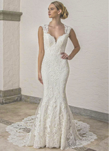 Luxury Beaded Mermaid Wedding Dresses 2020 Sweetheart Cap Sleeve Backless Long Tail Applique Lace Button Back Bride Dress