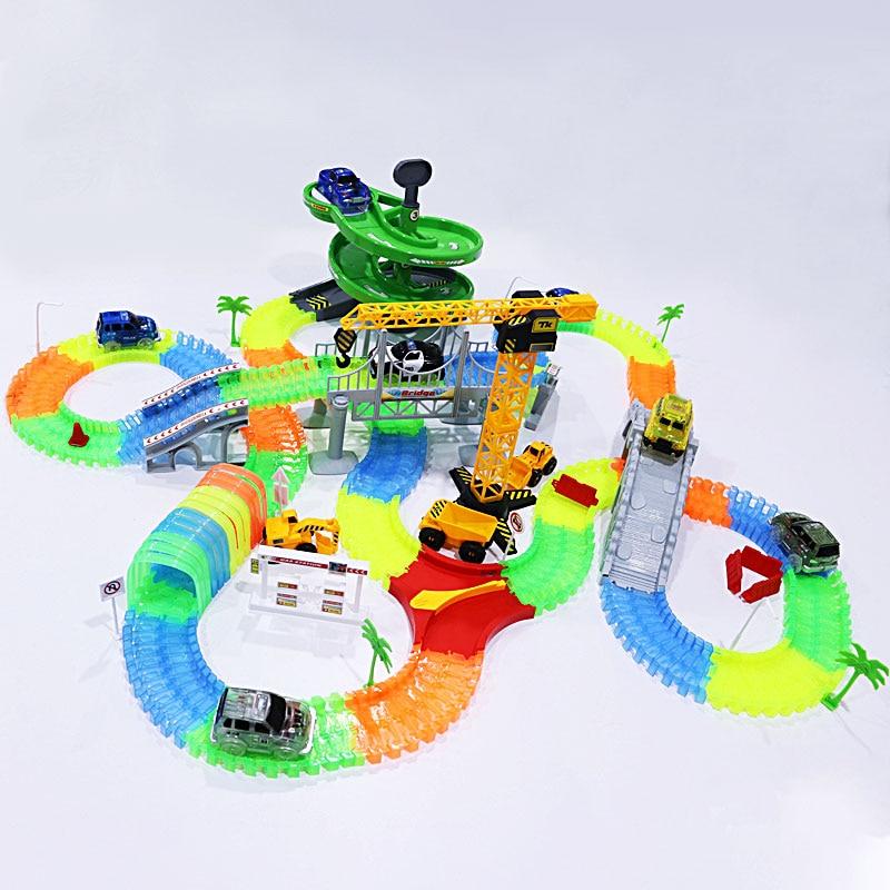 Piste magique voitures de course avec des lumières colorées bricolage en plastique course Rrack brillant dans le noir cadeaux créatifs jouets pour les enfants