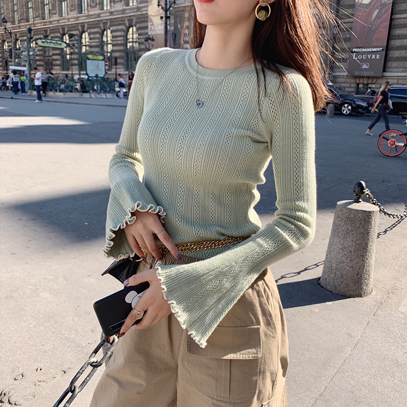 MISHOW 2019 Autumn Winter Solid Round Neck Knit Sweater Women Causal Basic Slim Fit Bell Sleeve Sweater MX19C5450