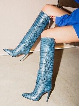 Piel de serpiente botas altas hasta la rodilla con estilo tacón de aguja azul claro deslizamiento en pasarela zapatos de mujer vestido de fiesta puntiagudas botas de cuero