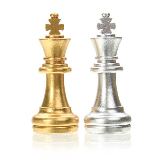 Jeu d'échecs de voyage magnétique or/argent pliant de 25x25cm pour des enfants ou des adultes 5