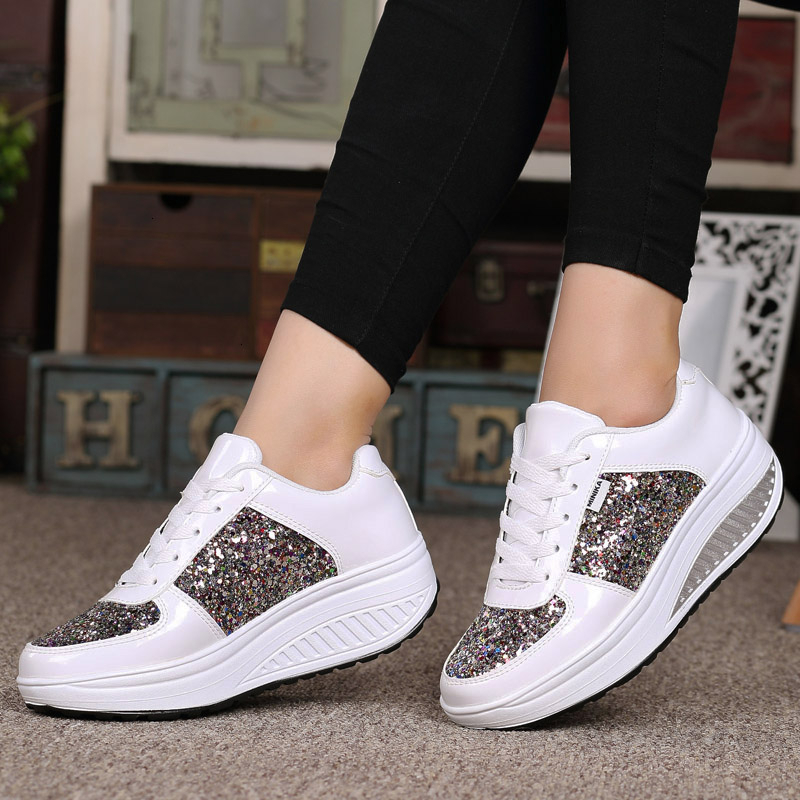 Women Running Shoes Shiny Lace-up Platform Sneakers Leather Height Increrasing Women Shaky Outdoor Sport Shoes Female Gym Shoes