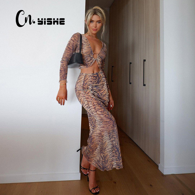 CNYISHE Sexy V-neck Two Piece Set Women's Tracksuit Fashion Tiger Print Crop Tops And Long Loose Skirts Matching Set Female Suit 1