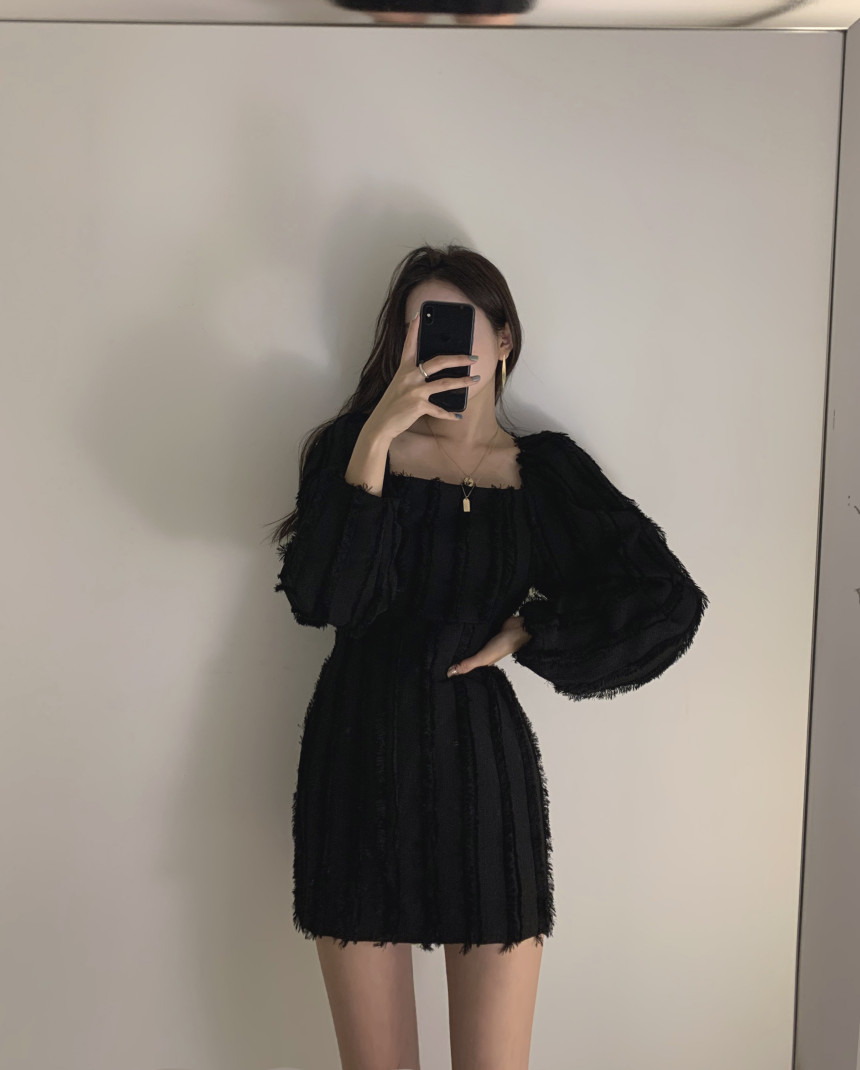 H2d35deef757e4d98910c4f0b44898763D - Autumn Square Collar Puff Sleeves Tassel Solid Mini Dress
