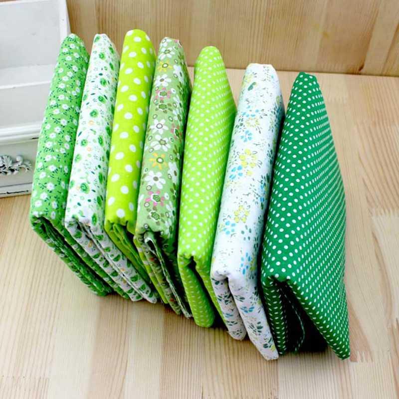 7 ピース/セットの花印刷縫製パッチワーク、ヴィンテージスタイルハンドメイドの綿生地、縫製パッチワーク 50 センチメートルx 50 センチメートル/25 センチメートル × 25 センチメートル