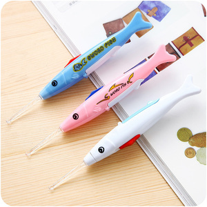 New 1pc LED Fish Ear Spoon Earwax Digging Spoon Earpick Luminous Baby Child Ear Cleaner Ear-picker Baby Care Ear Syringe Tool