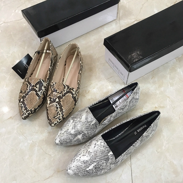 Womens flat Shoes autumn 2019 New Fashion Serpentine Flat soled Single Shoes Large Size Womens Shoes 41