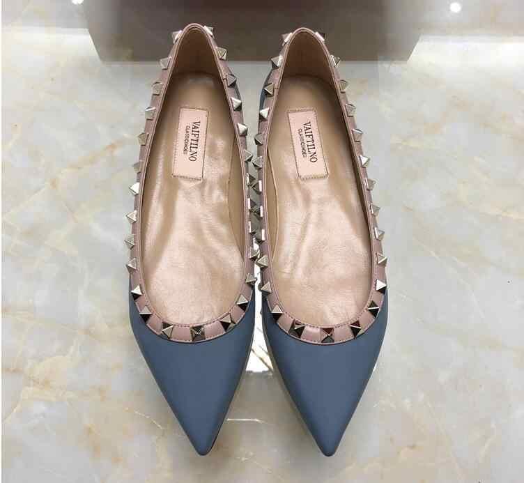 Klasikleri v marka kadın düz ayakkabı perçinler düğün ayakkabı patent deri siyah çıplak ayakkabı sivri burun düz ayakkabı 34-43 yok kutusu