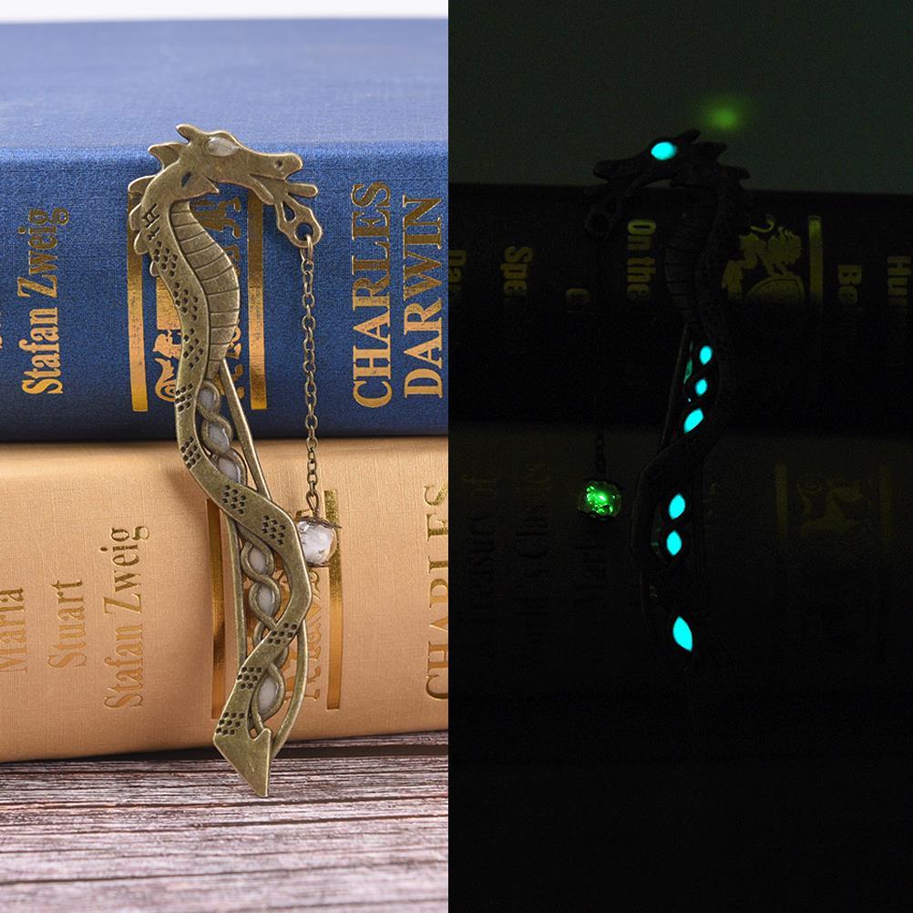 1pc Glowing Bookmark Single Luminous Glow In The Dark Silver Dragon Shape Bookmarks Fashion Classics Petals Beads Free Bookmark