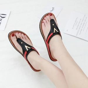 Image 2 - 2020 verão sapatos femininos flip flops senhoras sandálias de praia mais tamanho sandálias femininas plana flip flops moda marca luxo a912