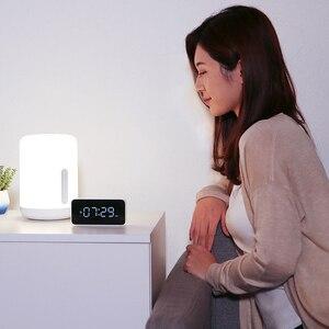 Image 5 - Xiaomi Lámpara de mesita de noche Mijia 2, lámpara inteligente con control por voz, Interruptor táctil, bombilla Led Mi home app para Apple Homekit, reloj Siri y xiaoai