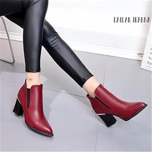 Image 4 - Stile europeo contratto Marea Ragazza Stivali Donna Stivali Rivetto Stile Britannico Martin Stivali Autunno Inverno 2020 Nuovo di Alta tacco alto scarpe