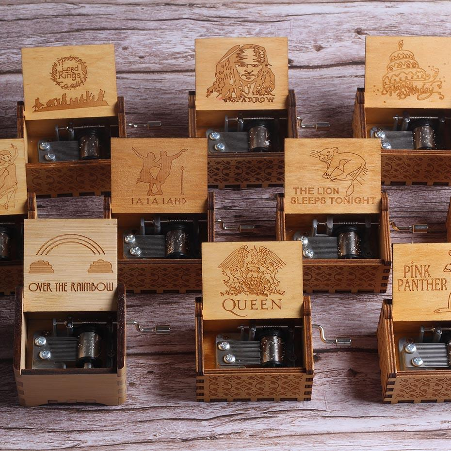 Newly Carved Queen Music Box Star Wars Power Castle Handcuffed Wooden Music Box Christmas Gift In The Sky