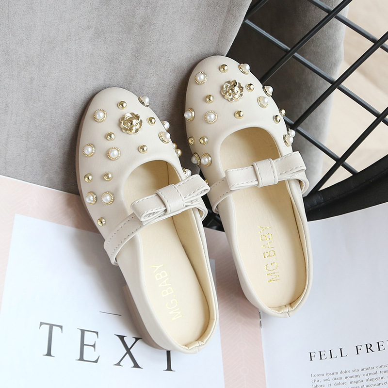 Autumn Spring Girls Princess Shoes Fashion Children Pointed Shallow Mouth Rivets Shoes Toddler Kids Single Peas Soft Flats