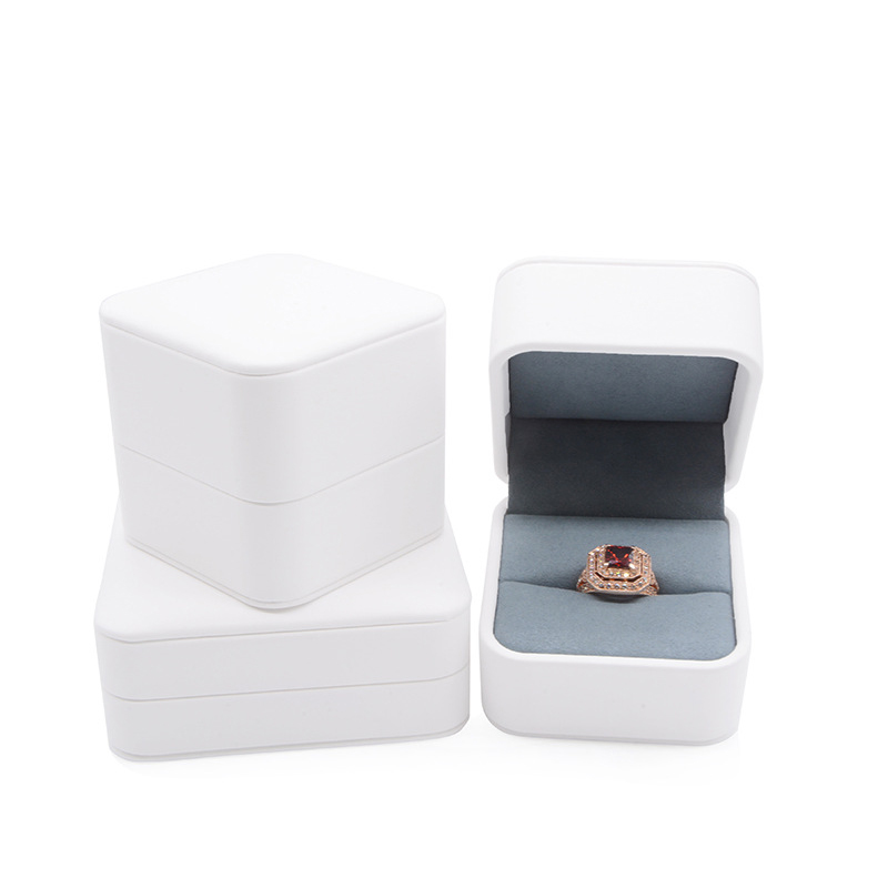 Romantic White PU Leather Ring Pendant Box Delicate Wedding Jewelry Gift Packaging Storage Case