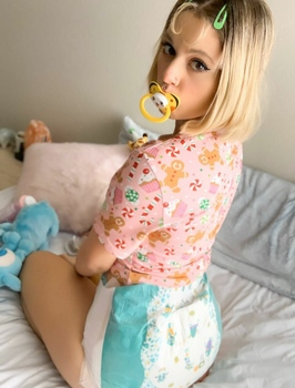 Diaper girl adult First Messy