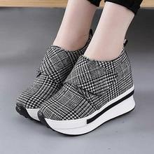Nowe ukryte obcasy damskie obuwie na co dzień damskie sneakersy 2020 płótno Slip on buty dla kobiet wysokość zwiększenie kliny buty W4
