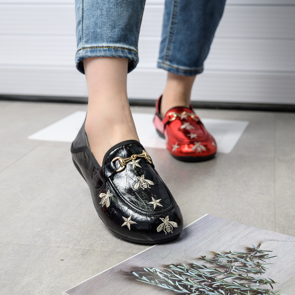 Fashion Luxury Brand Shoes Women 2020 Designers Flat Shoes Soft  Women's Loafers Patent Leather  Boat Shoes Bee Shoes Slip On