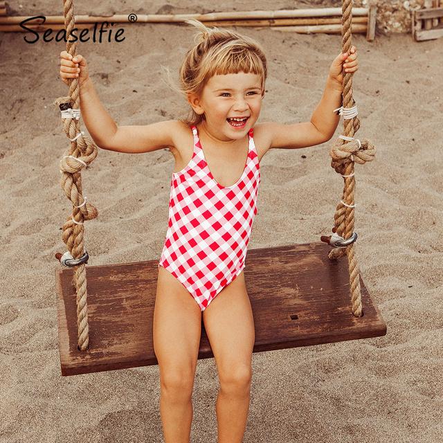 SEASELFIE Girls różowy bawełniany materiał w kratkę Bowknot V-neck jednoczęściowy strój kąpielowy małe dziewczynki dzieci strój kąpielowy 2021 dzieci kostiumy kąpielowe 2-12 Y tanie i dobre opinie CN (pochodzenie) Pasuje prawda na wymiar weź swój normalny rozmiar Dziewczyny spandex Plaid TC30002M Multi Beach Swimming Pool Vacation Surfing Travelling