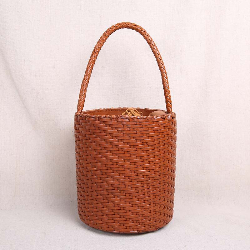 2020 new genuine leather jacket bag women's preliminary hand-woven women's bag handbag first layer leather bucket bag