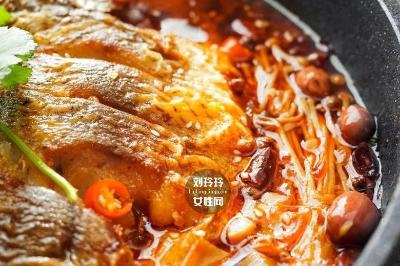 平底锅烤鱼的做法 美味烤鱼一条不够吃!15