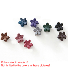 купить 10pcs Baby Girls Bangs Clip Small Flower Shape Hair Accessories Claw Retro Matte Candy Color Hairpin Cute Lovely Hair Clip онлайн