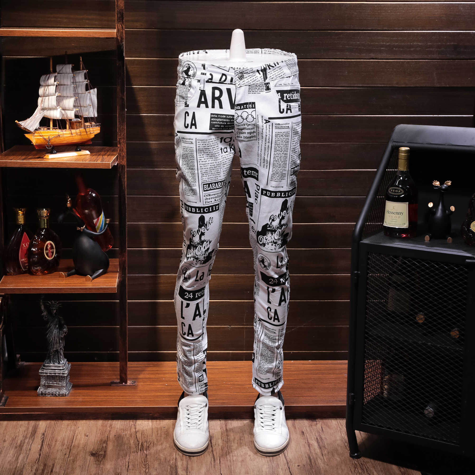 White Printing Cowboy Leisure Time Pants Male Directly Canister Self-cultivation Personality Newspaper Print Jeans Male Male