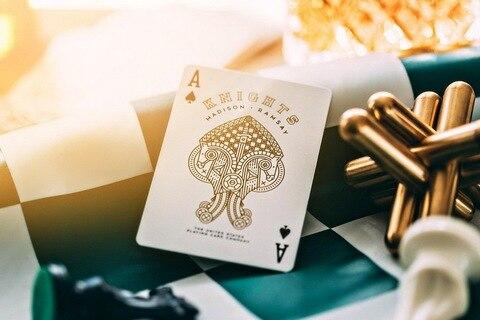 ellusionist cavaleiros brancos jogando cartas poker tamanho