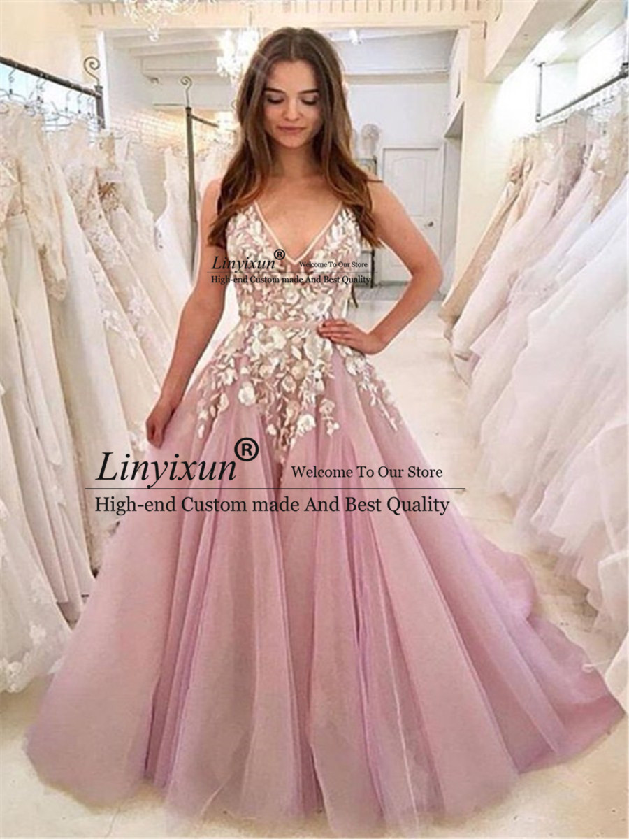 V-Neck Lace Appliques Vintage   Prom     Dresses   A-line Sleeveless Formal Evening   Dress   Long 2019 Robe De Soiree Party Gowns