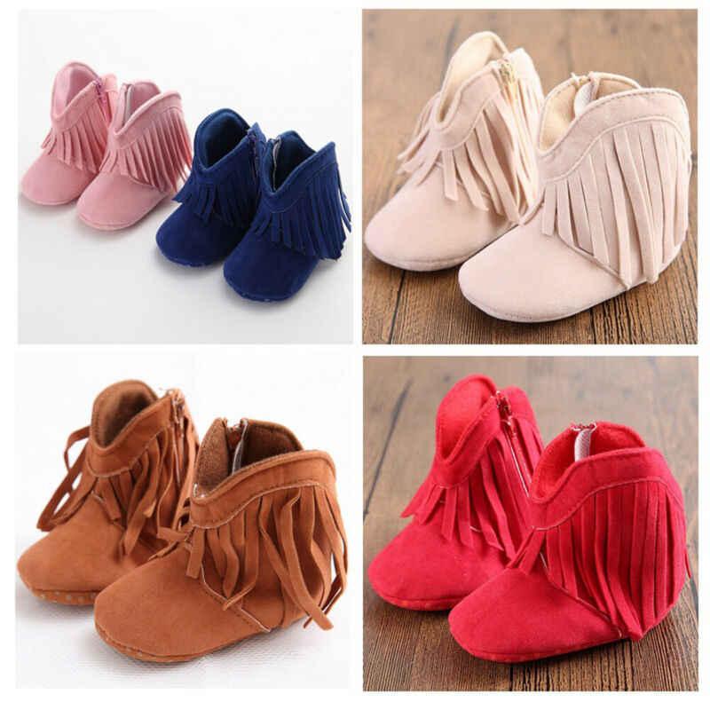 Botas de borla de bebé recién nacido zapatos de gamuza de suela suave de moda Zapatos de mocasín de niña para niños pequeños botas de nieve casuales para niños y niñas
