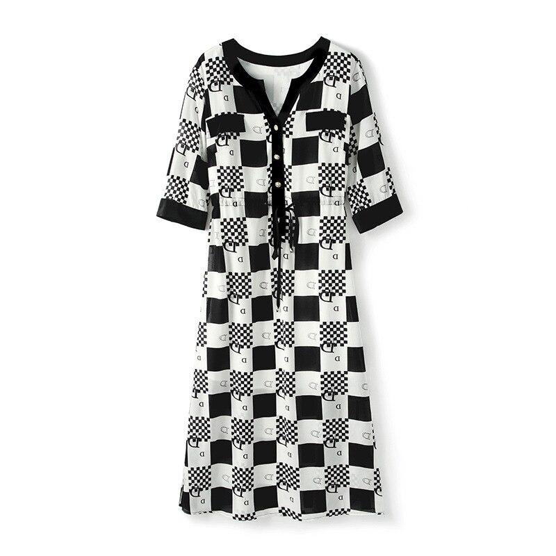 Summer 2019 Women's New Temperament V Collar Short Sleeve Black And White Contrast Silk Printed Dress Woman
