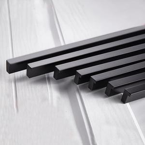 Image 4 - AOBT 5 Pezzi/lottp Nero Cabinet Maniglie Lungo 800/1000/1200 millimetri Porta Dellarmadio Tira Maniglie Porta In Alluminio Maniglia ferramenta per mobili