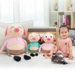 Fabricantes Venta Directa vestido de dibujos animados de algodón travieso piel de cerdo muñeca de peluche parejas de muñecas niños regalos de cumpleaños por mayor