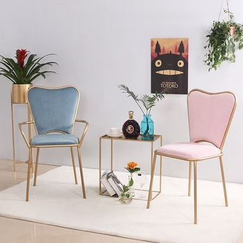 Leisure Iron Nordic Creative Pink Dining Chair Bedroom Chair Makeup Pink Dining Chair Gold Leg Soft Flannel Heart-shaped Chairs nordic iron dining chair modern minimalist dining chair leisure chair desk chair