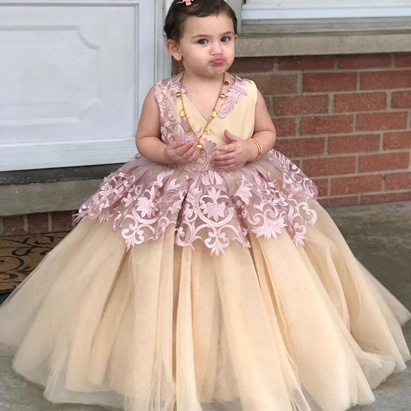 Nouveau mignon enfant en bas âge fête d'anniversaire robes avec dentelle Appliques v-cou Puffy robe de demoiselle d'honneur pour les robes d'occasion spéciale Longo