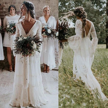 2020 Lace Boho Wedding Dresses Long Sleeves A-Line Backless Sweep Train Pleats Beach Bridal Gowns Bride Dress Vestido de noiva