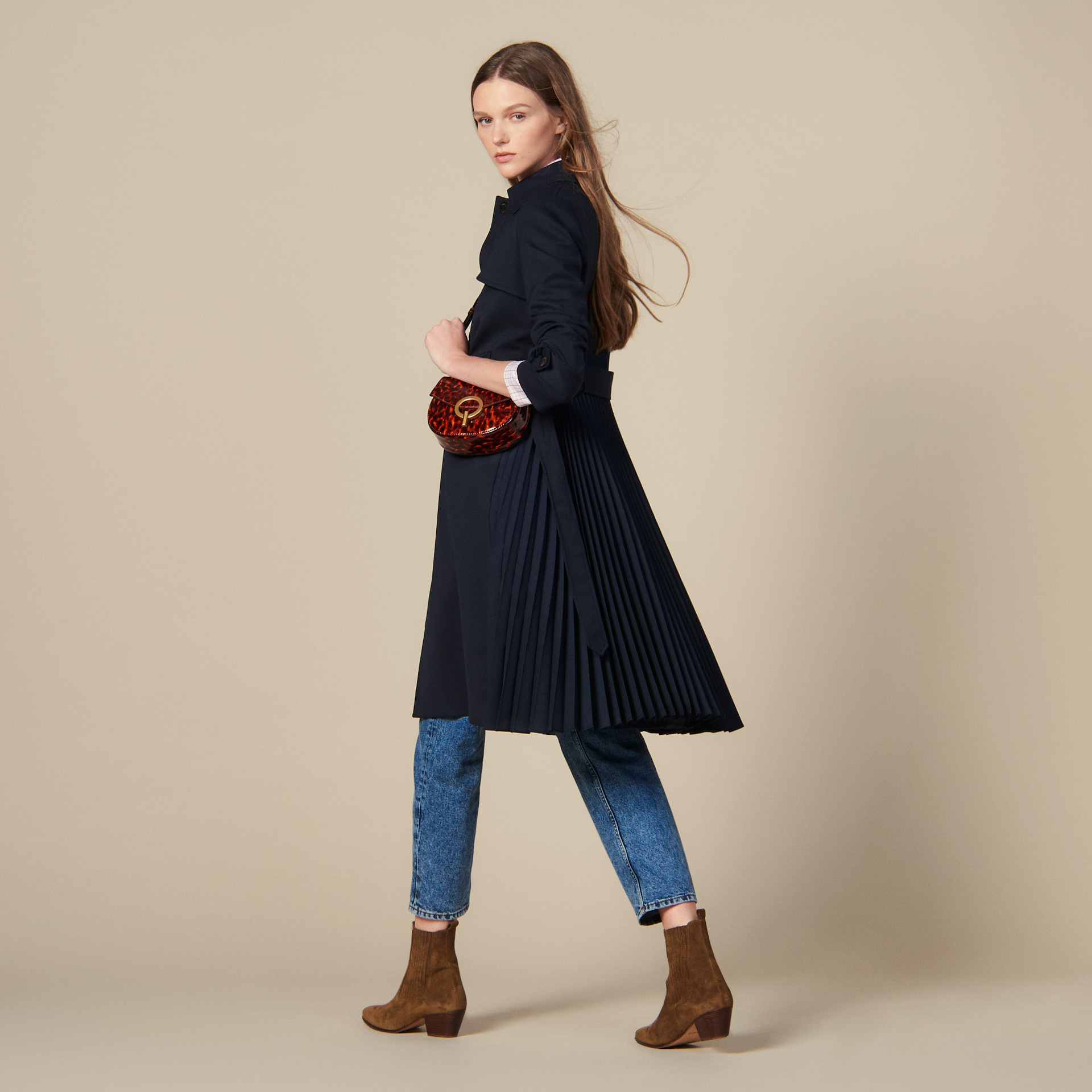 2019 autumn and winter new temperament women slim pleated long   trench   windbreaker coat