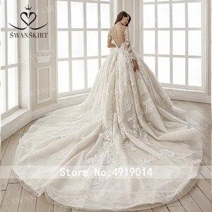 Image 2 - 高級ビーズ王女のウェディングドレス swanskirt SZ01 長袖ボールガウンアップリケレースの花嫁衣装イリュージョン vestido デ · ノビア