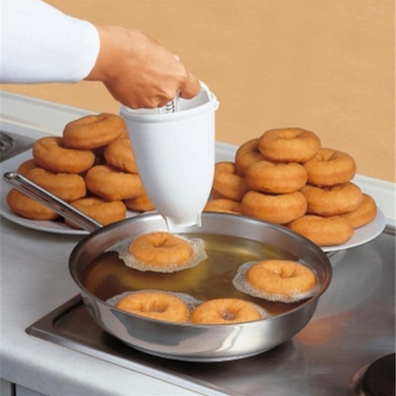 Donut Maker Mould Creative DIY Weight Donut Maker Plastic Light Donut Making Artifact Fast Easy Waffle Doughnut Machine