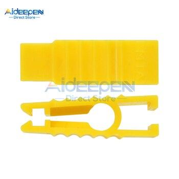 2Pcs/lot Mini Convenient Plastics Car Fuse Clip Tools Automobile Fuse Puller For Autos Insert Fuse S