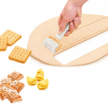 цена на Kitchen Dining Bakeware 1 Pcs Rolling Biscuit Cake Decorating Tools DIY Square Fondant Cutter Rolling Cookies Cutter Mold