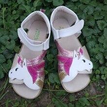 TipsieToes Sandalias de piel auténtica para niña, calzado para pies descalzos, suela en Zigzig