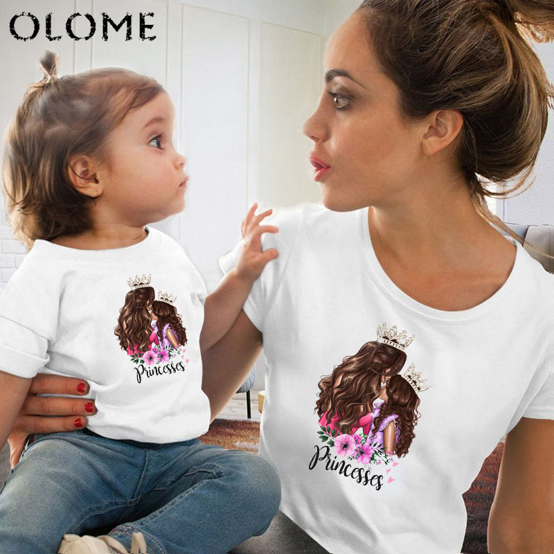 Princess Print Family Matching Mommy And Kids Round Neck T-shirt Mom And Baby T Shirt Mum And Daughter Clothes Q0807