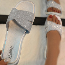 Vrouwen Bling Kristal Slippers 2020 Hot Vrouw Mode Sildes Zomer Dames Casual Soft Outdoor Glitters Flats Vrouwen Schoenen