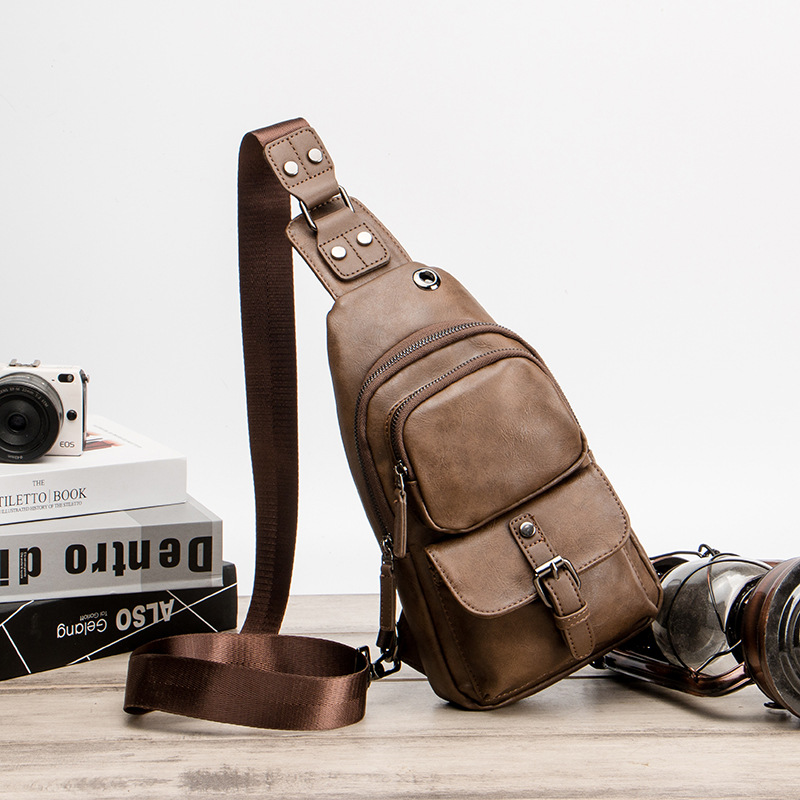 Men's Chest Bags Male Double Shoulder Bag Vintage Quality Leather Crossbody Bags For Men Short Trip Bag With Headphone Jack